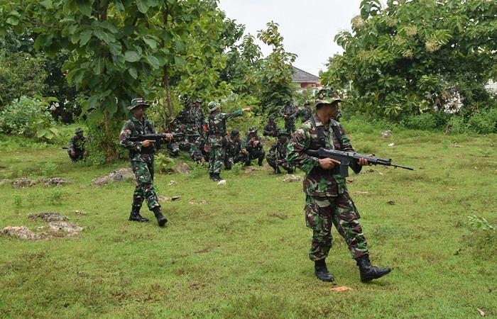 Seluruh Prajurit Bintara dan Tamtama Kodim 0811 Tuban melaksanakan Latihan Perorangan Dasar (Latorsar) umum. (Foto: Istimewa)