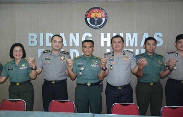 Pendam V Brawijaya dan Humas Polda Jatim bersinergi perangi informasi negatif (hoax). (Foto: Istimewa/NusantaraNews)