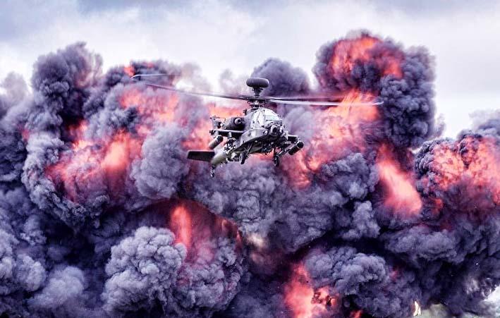 AH-64 Apache dalam sebuah latihan tempur