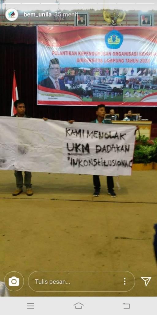 Badan Eksekutif Mahasiswa Universitas Lampung tolak pembentukan UKM Seni Baca Alquran (06/03/2018). (Foto: Riski Firmanto)