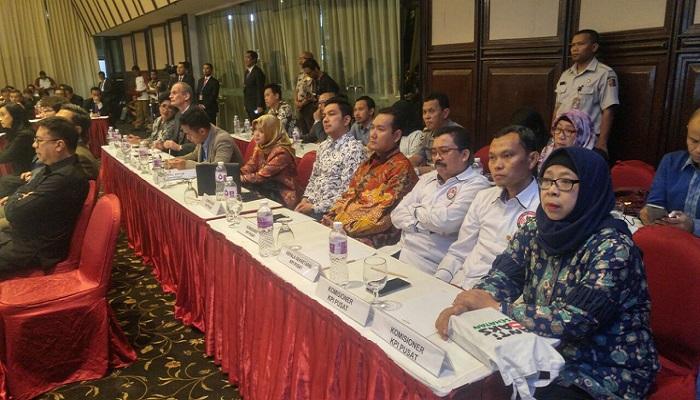 Komisi Penyiaran Indonesia (KPI) Pusat menandatangani nota kesepemahaman dengan Polri soal kepemilikan hak siar televisi kabel. (Foto: Istimewa)