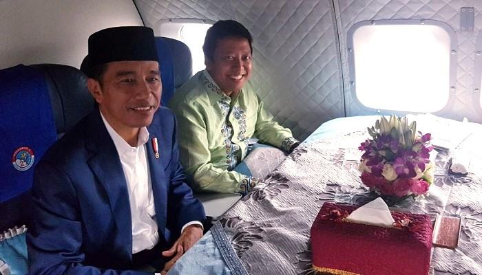 Ketua Umum Dewan Pimpinan Pusat Partai Persatuan Pembangunan (DPP PPP) Romahurmuziy bersama Presiden Joko Widodo perjalanan dari Cirebon menuju Jakarta. (FOTO: Istimewa)