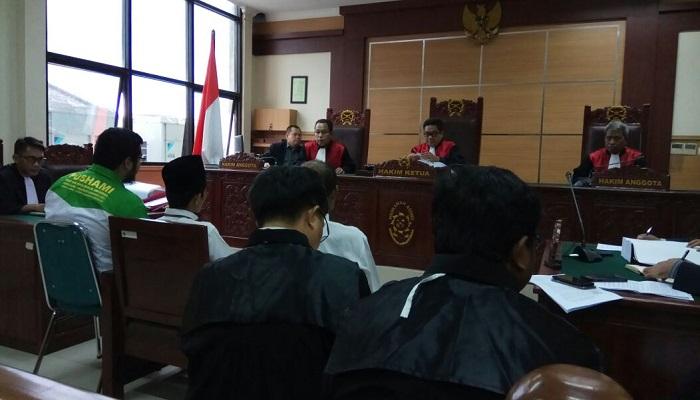 Sidang penodaan agama dengan Terdakwa Pendeta Abraham Ben Moses alias Saifuddin Ibrahim hari ini Senin (12/3/ 2018) di PN Tangerang. (Foto: Istimewa)