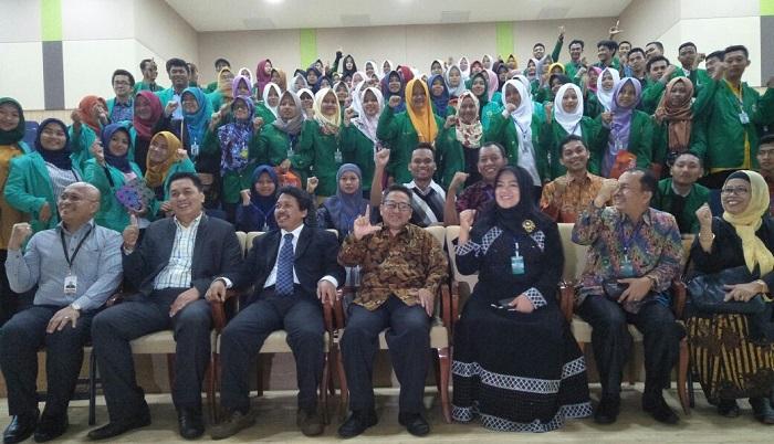 Mahasiswa Program Beasiswa Bidikmisi IAIN Metro Lampung melakukan Student Mobility Program (SMP) ketiga negara tetangga Indonesia yaitu Singapura, Malaysia dan Thailand. Hari keempat, mereka mengunjungi Universitas Selangor (UNISEL) Malaysia. (FOTO: NUSANTARANEWS.CO/Humas Kemenag)
