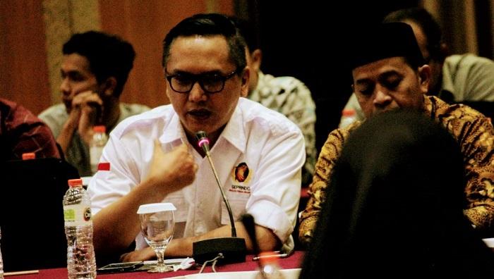 Presiden Gerakan Pribumi Indonesia (GEPRINDO) Bastian P. Simanjuntak (berkemeja putih). (FOTO: Do. Pribadi/Istimewa)
