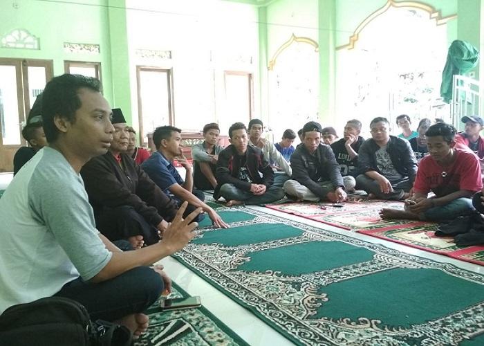 Asosiasi Pedagang Kaki Lima Indonesia Jawa Tengah dan Aliansi Petani Indonesia mengumpulkan pemuda desa di Boyolali, Jateng. (Foto: Istimewa)