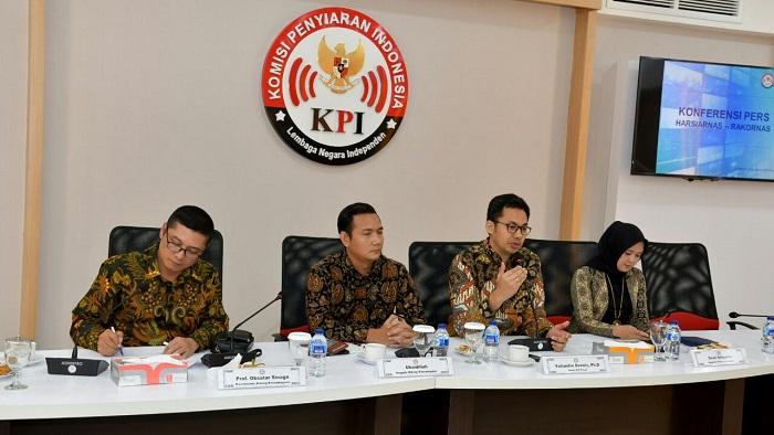 Konferensi Pers Komisi Penyiaran Indonesia (KPI) terkait Peringatan Hari Penyiaran Nasional (Harsiarnas) ke-85 di Palu. (FOTO: Humas KPI)