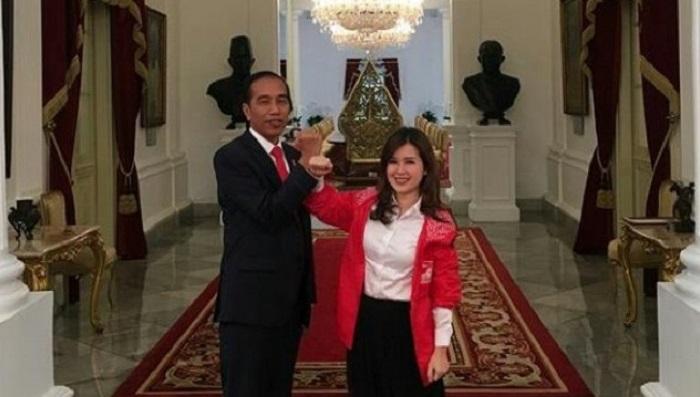 Presiden Jokowi dan Ketum PSI Grace Natalie. (FOTO: Istimewa)