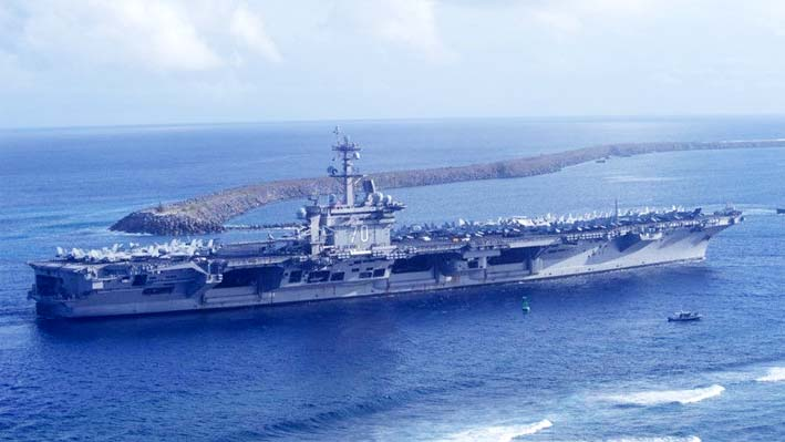 Kapal Induk AS USS Carl Vinson