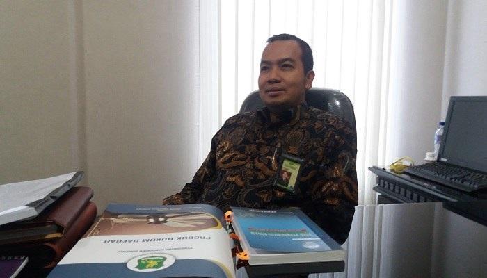 Direktur BPRS Bhakti Sumekar Kabupaten Sumenep. (Foto: Danial Kafi/NusantaraNews)