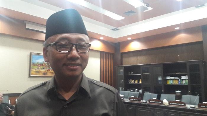 Wakil Ketua Komisi E DPRD Jatim, Sulidaim. (FOTO: NUSANTARANEWS.CO/Setya)