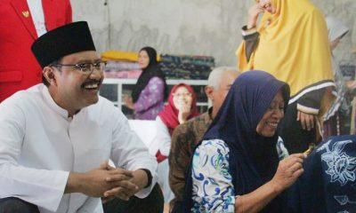 Calon Gubernur Jawa Timur Syaifullah Yusuf (Gus Ipul) kampanye di sentra batik, Butik Lesoeng di Jalan Agung Soeprapto, Ponorogo, Sabtu (21/4/2018). (Foto: Setya TW/NusantaraNews)
