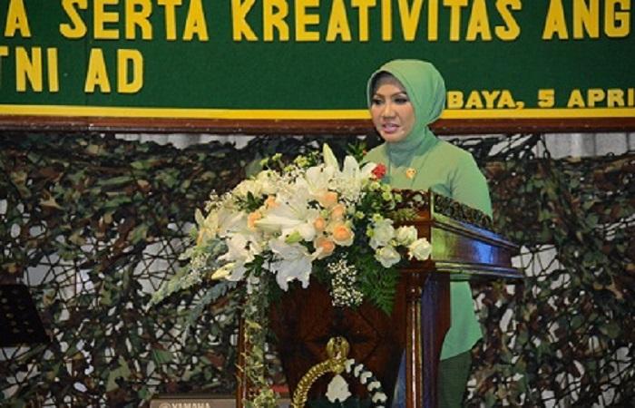 Ketua Persit KCK PD V Brawijaya Mia Kusmiati Arif Rahman. (Foto: Istimewa)