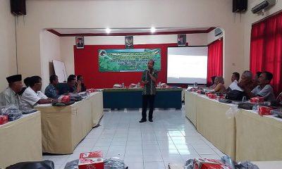 Dinas Koperasi dan Usaha Mikro (Diskop dan UM) Sumenep menggelar kegiatan pelatihan bimbingan pemberdayaan usaha koperasi bidang olahan hasil pertanian, mulai tanggal 20-21 April 2017, dikuti oleh 40 peserta. (Foto: Danial Kafi/NusantaraNews)