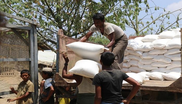 Proses penyaluran bantuan kemanusiaan dari Indonesian Humanitarian Alliance (IHA). (Foto: Istimewa)