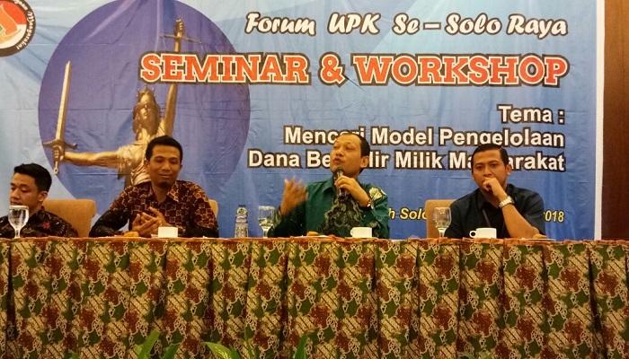 Ekonom Konstitusi pada Seminar dan Workshop Asosiasi UPK ex PNPM Solo Raya pada tanggal 27 Maret 2018 di Hotel Syariah, Solo. (FOTO: NUSANTARANEWS.CO)