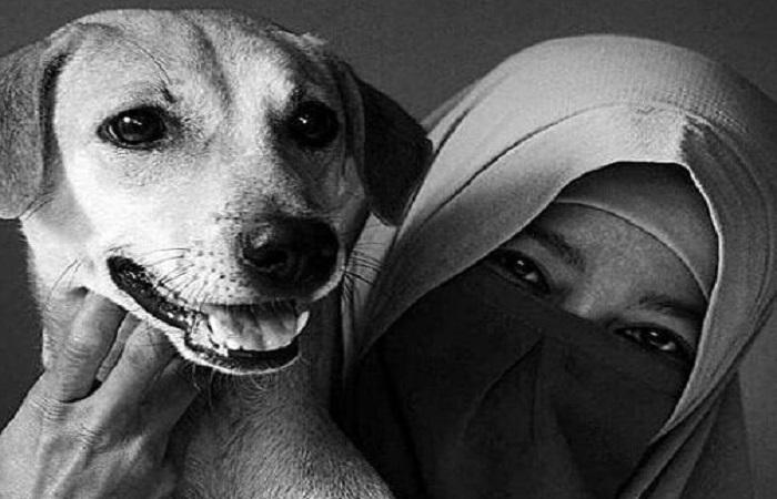 Hesti Sutrisno, muslimah bercadar yang memelihara anjing. (Foto: Instagram/Hestisutrisno)
