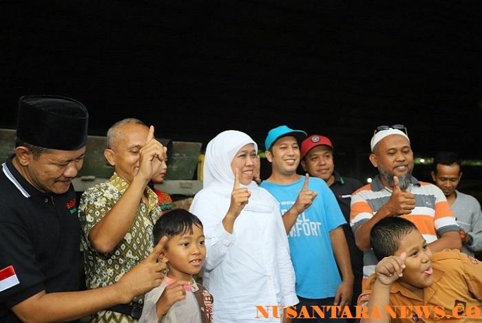 Calon gubernur Jawa Timur Khofifah Indar Parawansa mendapat dukungan dari buruh pabrik tripleks Lumajang. (Foto: Setya)