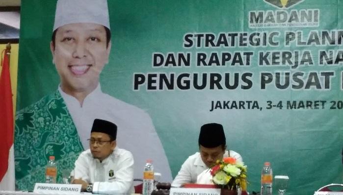 Sekretaris Umum PP Madani Syarifuddin (Ending, Kiri). (FOTO: NUSANTARANEWS.CO/Achmad S)