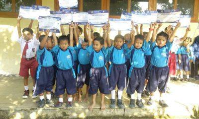 Sejumlah pelajar di Kabupaten Ponorogo mengucapkan terima kasih atas program Indonesia Pintar yang dikawan Anggota Komisi X DPR RI, Edhie Baskoro Yudhoyono (EBY) alias Ibas. (Foto: Muh Nucholis/NusantaraNews)