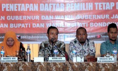 Rapat Pleno Terbuka Penetapan Daftar Pemilih Tetap (DPT) Pilbup Bondowoso dan Pilgub Jatim 2018 di Ballroom Hotel Palm, Rabu (18/4) petang. (Foto: Han/NusantaraNews)