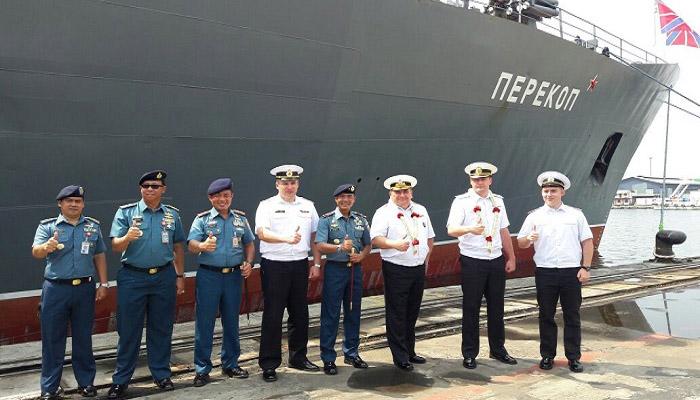 Kapal Perang Rusia RNS PEREKOP 310 Berlabuh di Pelabuhan Jakarta