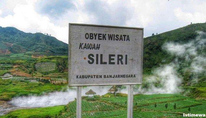 Kawah Sileri, Gunung Dieng, Banjarnegara Jawa Tengah,