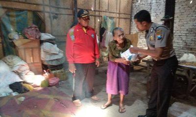 Menjaga Kepercayaan Masyarakat, Polisi Ponorogo Menyantuni Warga Binaan Sembari Menitipkan Sembako. (Foto: Muh Nurcholis/NusantaraNews)