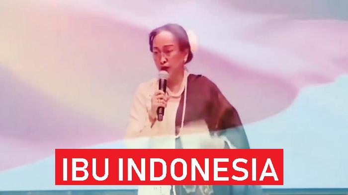 """Sukmawati saat membacakan puisi """"Ibu Indonesia"""" dalam acara 29 Tahun Anne Avantie Berkarya di Indonesia Fashion Week 2018. (FOTO: NUSANTARANEWS.CO/Crop)"""