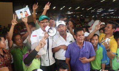 Calon Gubernur Jawa Timur nomor urut dua, Saifullah Yusuf (Gus Ipul) mengunjungi saat mengunjungi perusahaan furnitur PT Integra Group Sidoarjo, Selasa(17/4/2018). (Foto: Setya/NusantaraNews)