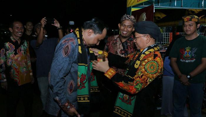 Suasana acara Gathering Media dan Pelaku Usaha Pariwisata di Pendopo Agung Sumenep. (Foto: Danial Kafi/NusantaraNews)