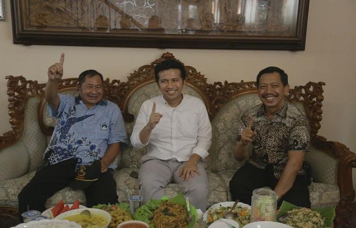 Salah satu tokoh PDIP Kabupaten Malang, Geng Wahyudi (kanan) mengatakan dirinya siap memenangkan pasangan Khofifah-Emil di Pilgub jatim 2018. (Foto: Setya/NusantaraNews)