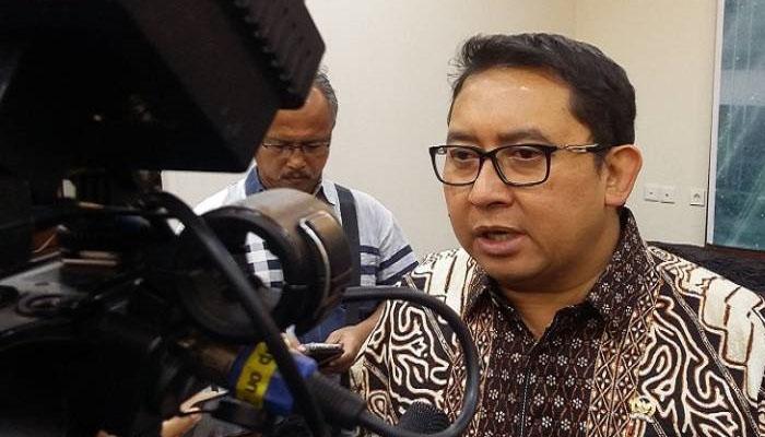 Wakil Ketua DPR RI sekaligus politisi PArtai Gerindra mengkritik keras kebijakan Jokowi terkait tenaga kerja asing (TKA) yang dipermudah di Indonesia. (Foto: Dok. NusantaraNews)