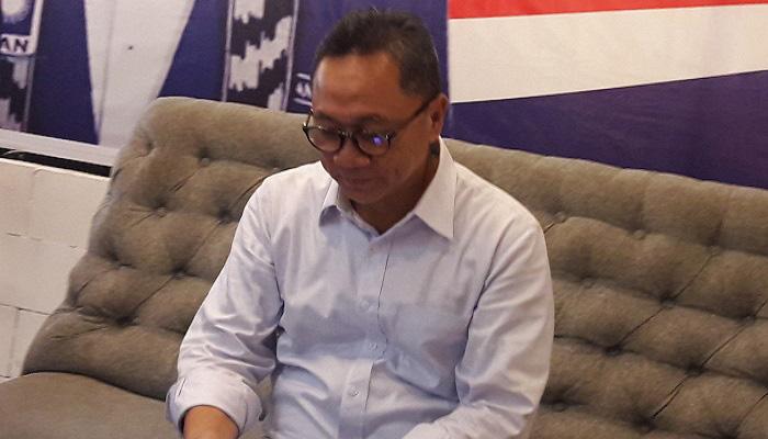 Ketua Umum PAN Zulkifli Hasal sebut koalisi parpol bentukannya tak akan memilih pemimpin yang suka mendatangkan TKA asal Tiongkok. (Foto: Setya/NusantaraNews)