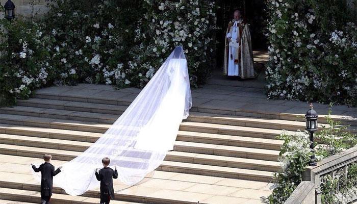 Mempelai wanita, Meghan Markle menjelang melangsungkan prosesi pernikahan dengan Pangeran Harry. (FOTO NUSANTARANEWS.COBy @instanaspired)