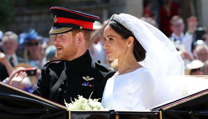 Kebahagiaan Pangeran Harry dan Meghan. (FOTO: NUSANTARANEWS.CO/By @vivx_tr)