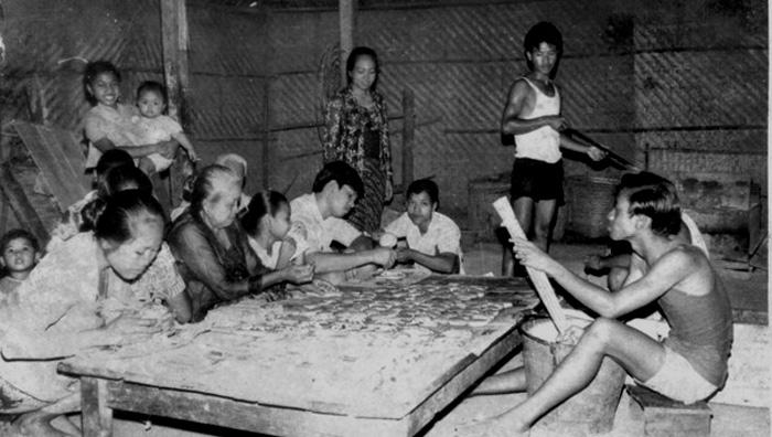 Beberapa Wanita Tengah Memproduksi Roti di Surakarta (Foto Istimewa)