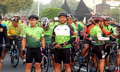 Cycling Club Bawa Misi Mengurangi Polusi Udara