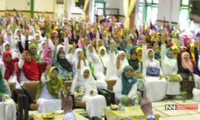 Dukungan Bu Nyai Malang untuk Gus Ipul (Foto Nusantaranews)