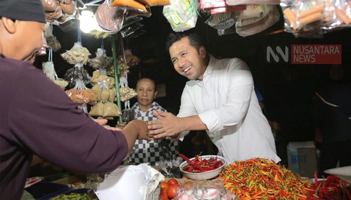 Pedagang Pasar Surabaya Yakin Khofifah-Emil Menang Telak. (FOTO: NUSANTARANEWS.CO/Setya)