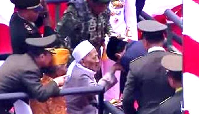 KH Sholeh Qosim Sepanjang Wafat, Ini Kesaksian Guntur Romli. (FOTO: NUSANTARANEWS.CO/Istimewa)