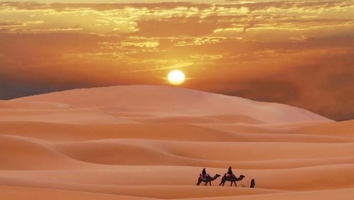 Menempuh Sahara, Menulis Rindu. (FOTO: Cheria Holiday)
