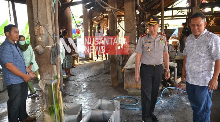 Polres Ponorogo Segel Pabrik Tahu Berformalin. (FOTO: NUSANTARANEWS.CO/Muh. NUrcholis)