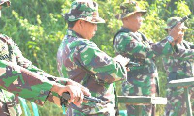 Setiap Prajurit TNI Harus Jago Tembak, Ini Sebabnya! (FOTO: NUSANTARANEWS.CO/Penrem081)