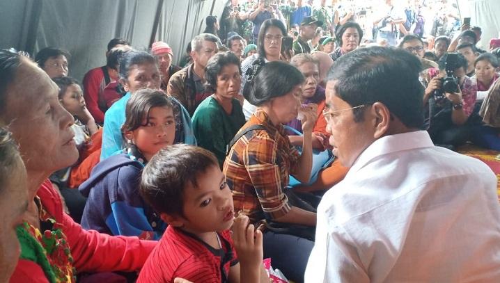Dalam pertemuan dengan keluarga korban dan Mensos menyampaikan lima hal penting yang dipesankan Presiden Joko Widodo. (FOTO: Dok. Humas Kemensos)