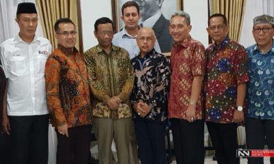 Para Relawan Jokowi Saat Berkunjung ke Mahfud MD (Foto: A. Pramono/Nusantaranews)