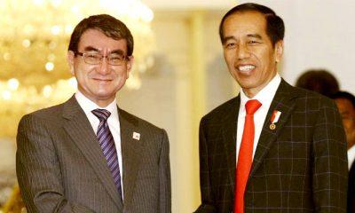 Presiden Jokowi Terima Kunjungan Kenegaraan Menlu Jepang Taro Kono di Istana Merdeka