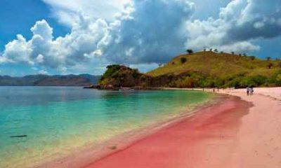Keindahan Pantai Tiga Warna di Malang
