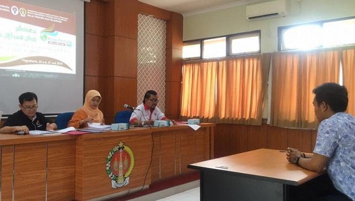 Kementerian Pemuda dan Olahraga (Kemenpora) terus berupaya memperkuat spirit kebinekaan kawula muda di seluruh Indonesia. Salah satu upaya yang ditempuh dengan melaksanakan kegiatan Kirab Pemuda Nasional 2018 yang akan digulirkan mulai 5 September 2018. (FOTO: NUSANTARANEWS.CO/Istimewa)