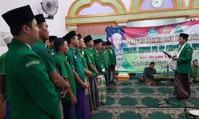 Pimpinan Ranting Gerakan Pemuda Ansor Desa Jepang, Kecamatan Mejobo, Kabupaten Kudus, masa khidmah 1439-1441/2018-2020, resmi dilantik di Musholla Nurul Falah, Minggu (15/07/18) malam. (FOTO: NUSANTARANEWS.CO/Udin)